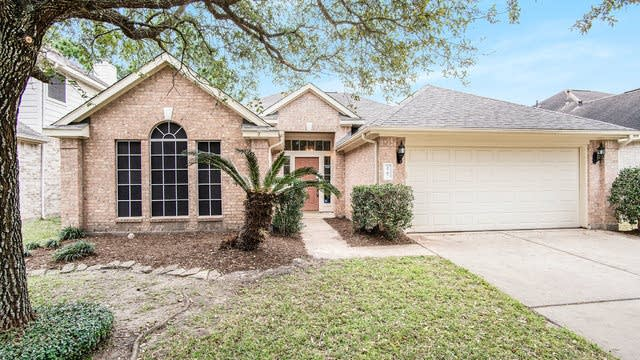 Photo 1 of 16 - 2707 Rayburn Ridge Dr, Katy, TX 77450