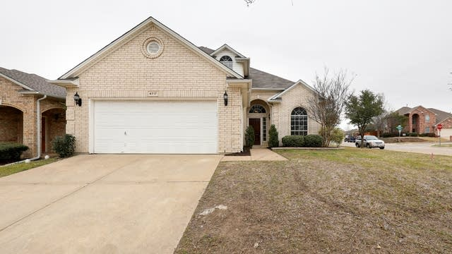 Photo 1 of 30 - 4717 Latrobe Trace Way, Fort Worth, TX 76244