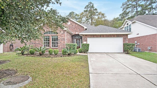 Photo 1 of 16 - 2623 Fern Lacy Dr, Spring, TX 77388