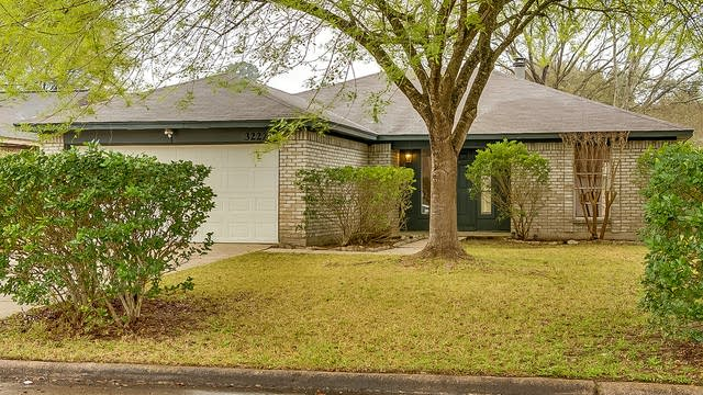Photo 1 of 14 - 3222 Pine Dust Ln, Spring, TX 77373