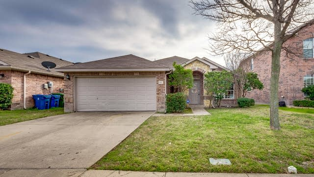 Photo 1 of 21 - 1127 Mount Olive Ln, Forney, TX 75126
