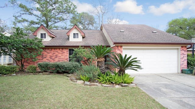 Photo 1 of 17 - 25906 Old Carriage Ln, Spring, TX 77373