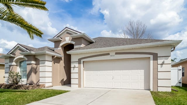 Photo 1 of 45 - 3211 Falcon Point Dr, Kissimmee, FL 34741