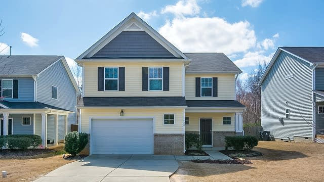 Photo 1 of 19 - 528 Wellspring Dr, Holly Springs, NC 27540