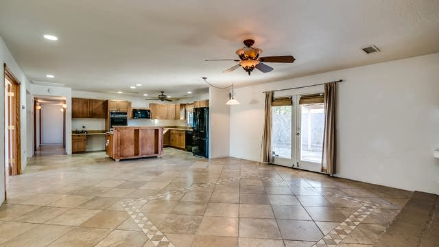 Photo 1 of 9 - 2617 E Nisbet Rd, Phoenix, AZ 85032