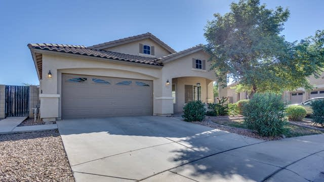 Photo 1 of 80 - 6621 S Silver Dr, Chandler, AZ 85249