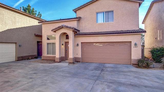 Photo 1 of 25 - 3805 W Oregon Ave, Phoenix, AZ 85019