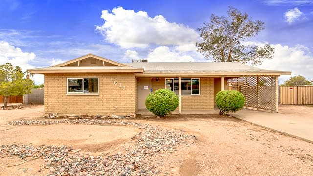 Photo 1 of 25 - 1013 E Mesquite Ave, Apache Junction, AZ 85119