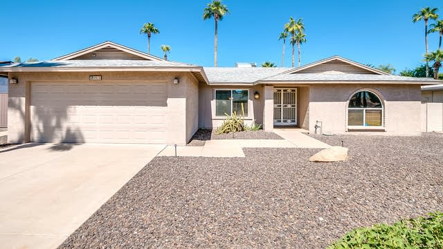 Photo 1 of 33 - 4916 E Surrey Ave, Scottsdale, AZ 85254