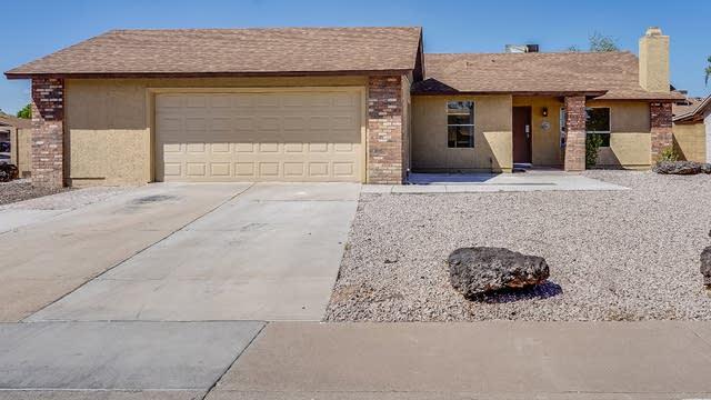 Photo 1 of 19 - 2938 W Woodridge Dr, Phoenix, AZ 85053