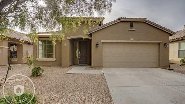 Photo 1 of 17 - 1129 W Desert Hollow Dr, San Tan Valley, AZ 85143