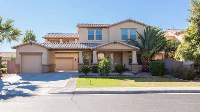 Photo 1 of 32 - 827 W Glenmere Dr, Chandler, AZ 85225