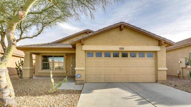 Photo 1 of 30 - 7029 S 31st Dr, Phoenix, AZ 85041