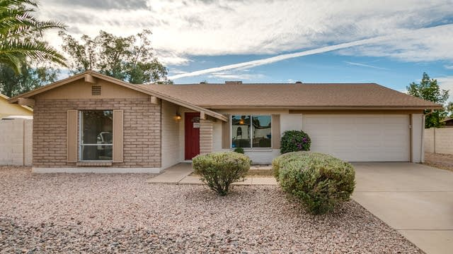 Photo 1 of 32 - 1415 W Topeka Dr, Phoenix, AZ 85027