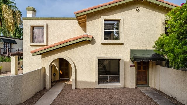 Photo 1 of 21 - 8657 S 51st St #3, Phoenix, AZ 85044