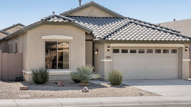 Photo 1 of 25 - 3005 W Silver Fox Way, Phoenix, AZ 85045