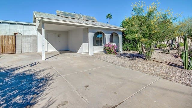 Photo 1 of 24 - 2340 W Obispo Ave, Mesa, AZ 85202