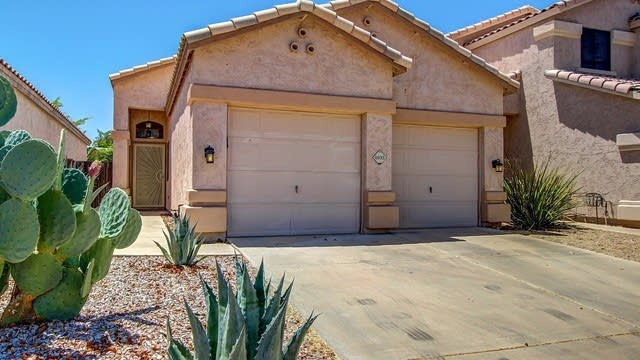 Photo 1 of 19 - 4935 W Jeremy Dr, Glendale, AZ 85308