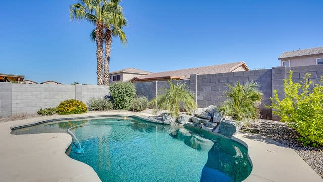 Photo 1 of 25 - 5407 S 54th Ln, Phoenix, AZ 85339