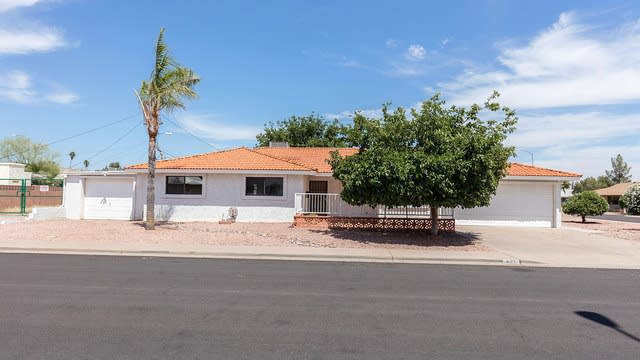Photo 1 of 22 - 621 S Toltec St, Mesa, AZ 85204