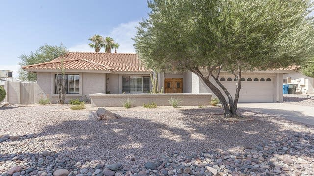 Photo 1 of 29 - 802 E Meadow Ln, Phoenix, AZ 85022