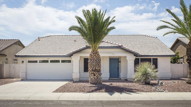 Photo 1 of 27 - 5553 W Lone Cactus Dr, Glendale, AZ 85308