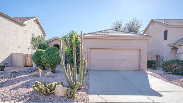Photo 1 of 26 - 4711 E Chisum Trl, Phoenix, AZ 85050