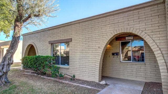 Photo 1 of 24 - 8219 E Berridge Ln, Scottsdale, AZ 85250