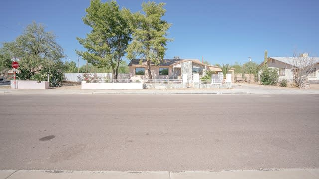 Photo 1 of 17 - 2800 E Danbury Rd, Phoenix, AZ 85032