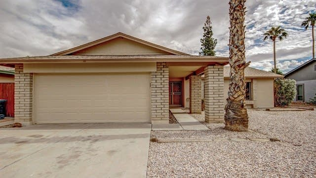Photo 1 of 22 - 811 W Posada Ave, Mesa, AZ 85210