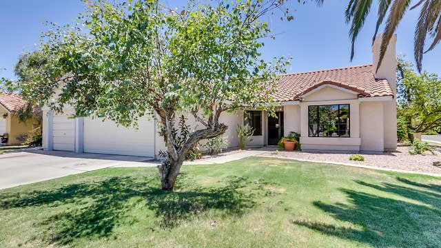 Photo 1 of 43 - 1301 E Sand Dollar Ct, Gilbert, AZ 85234
