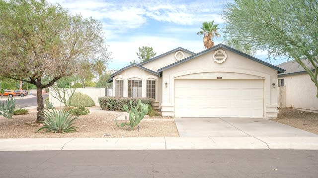 Photo 1 of 24 - 8522 W Country Gables Dr, Peoria, AZ 85381