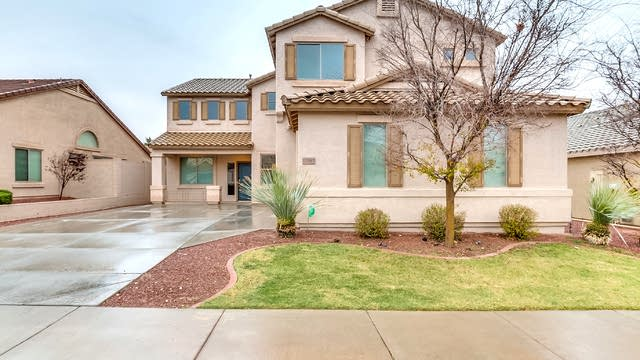 Photo 1 of 39 - 17592 W Windrose Dr, Surprise, AZ 85388