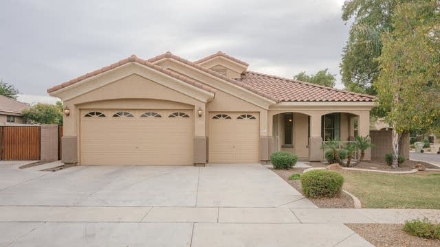 Photo 1 of 30 - 8427 W Myrtle Ave, Glendale, AZ 85305