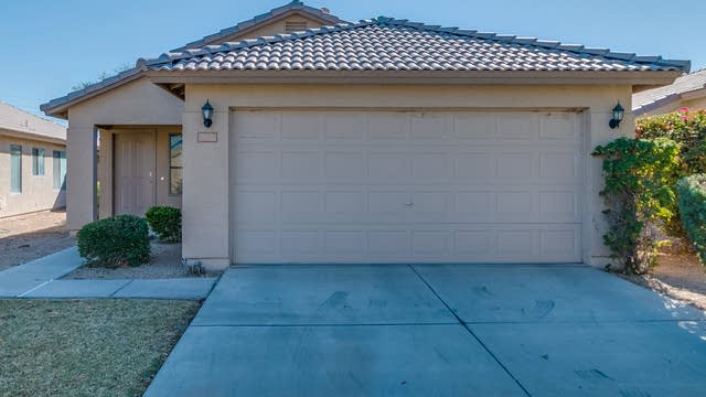 Photo 1 of 30 - 1961 N 107th Dr, Avondale, AZ 85392