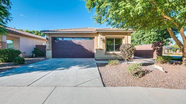 Photo 1 of 29 - 337 W Reeves Ave, San Tan Valley, AZ 85140