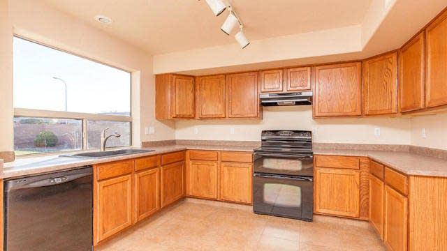 Photo 1 of 26 - 4813 E Cherry Hills Dr, Chandler, AZ 85249
