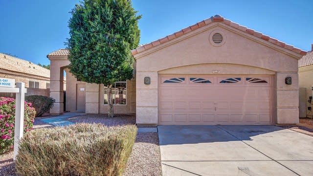 Photo 1 of 24 - 717 N Gregory Pl, Chandler, AZ 85226