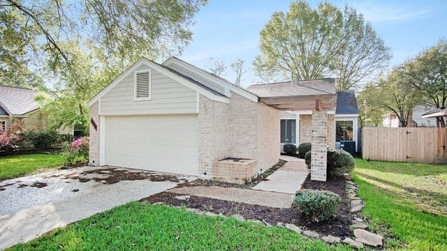 Photo 1 of 17 - 8626 Pines Place Dr, Humble, TX 77346