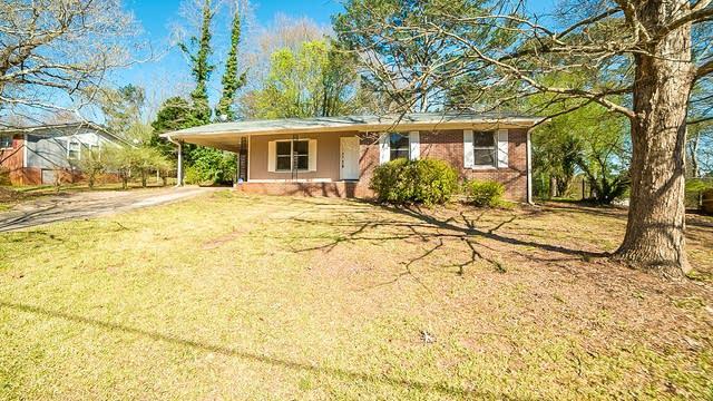 Photo 1 of 13 - 6882 Autumn Hill Dr, Douglasville, GA 30135