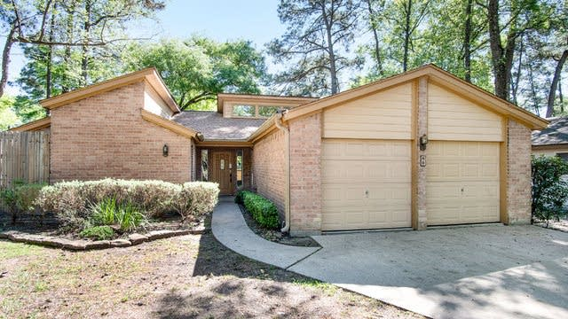 Photo 1 of 16 - 80 Woodhaven Wood Dr, Spring, TX 77380
