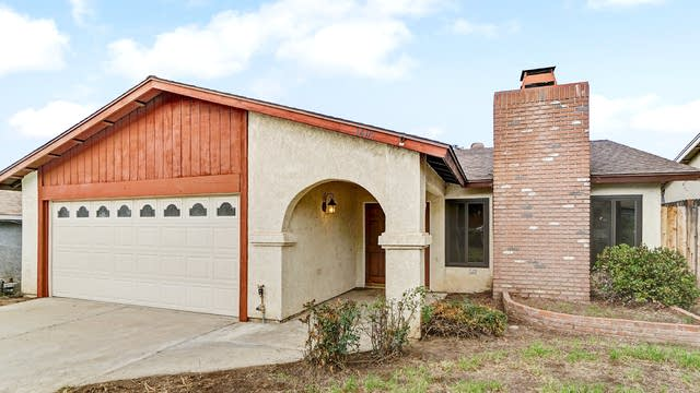 Photo 1 of 17 - 1405 W Pottery St, Lake Elsinore, CA 92530