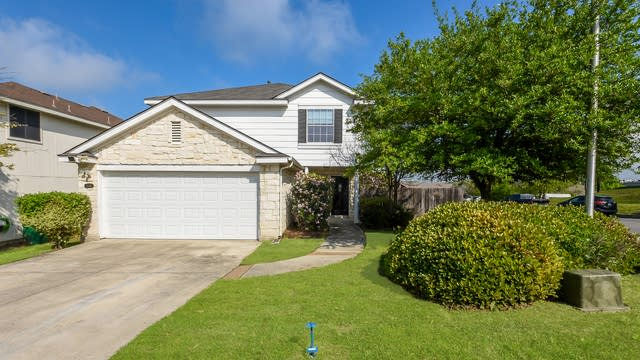 Photo 1 of 25 - 5555 Christina Path, San Antonio, TX 78247