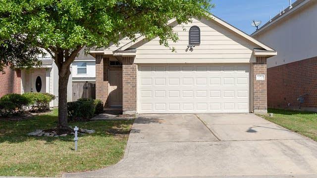 Photo 1 of 15 - 2642 Kiplands Ct, Houston, TX 77014