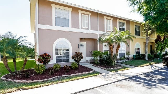 Photo 1 of 25 - 1556 Chateaux De Ville Ct, Clearwater, FL 33764