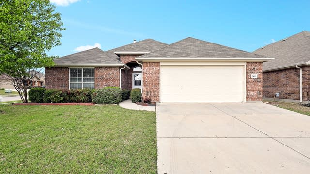 Photo 1 of 25 - 7401 Gairlock Dr, Fort Worth, TX 76179