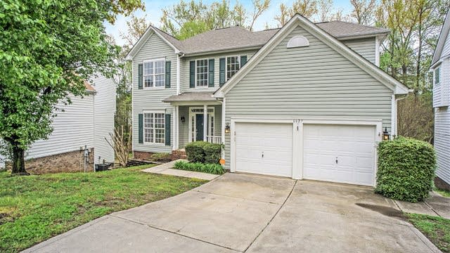 Photo 1 of 22 - 6627 Harburn Forest Dr, Charlotte, NC 28269