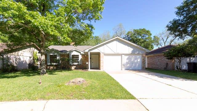 Photo 1 of 16 - 919 Redway Ln, Houston, TX 77062