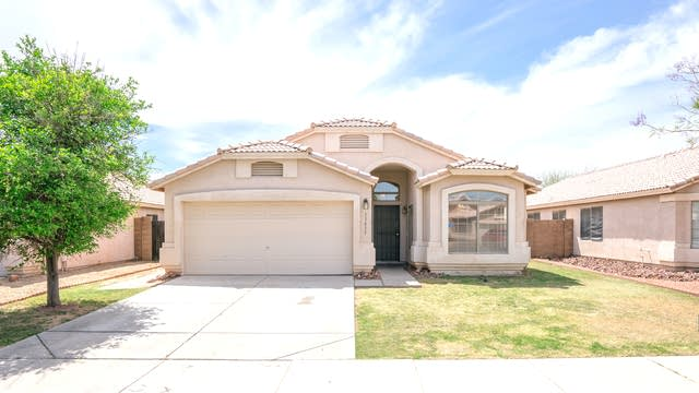 Photo 1 of 18 - 13415 W Desert Ln, Surprise, AZ 85374