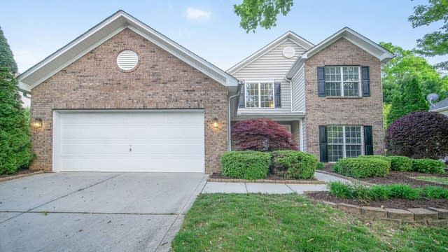 Photo 1 of 17 - 20315 Southshore Dr, Charlotte, NC 28031